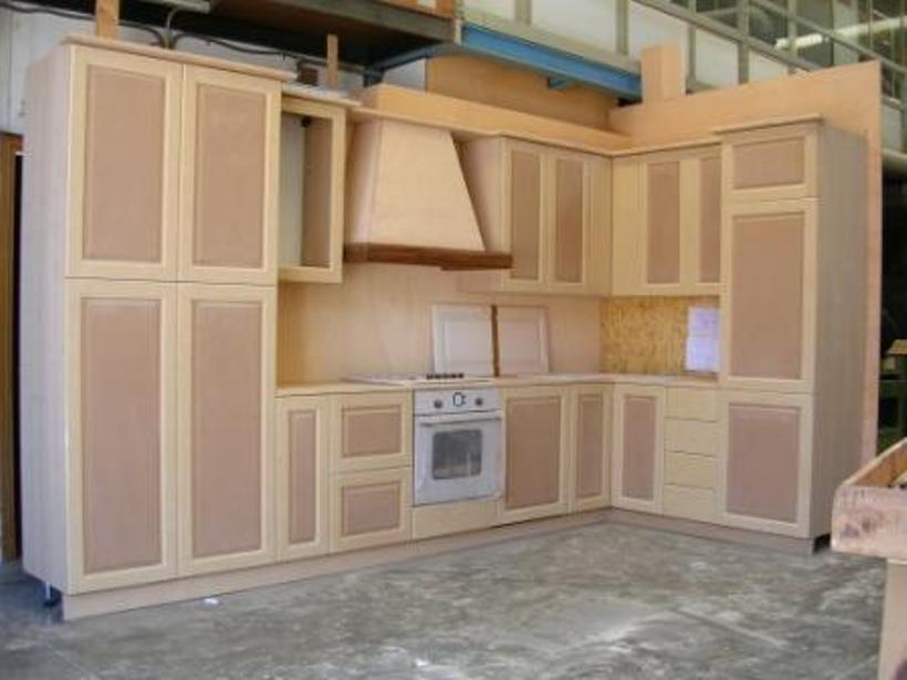 Cucina legno sbiancato in costruzione falegnameria dal - Costruzione cucina ...